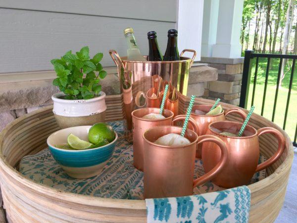 Summer Entertaining: Setting Up an Outdoor Mini-Bar