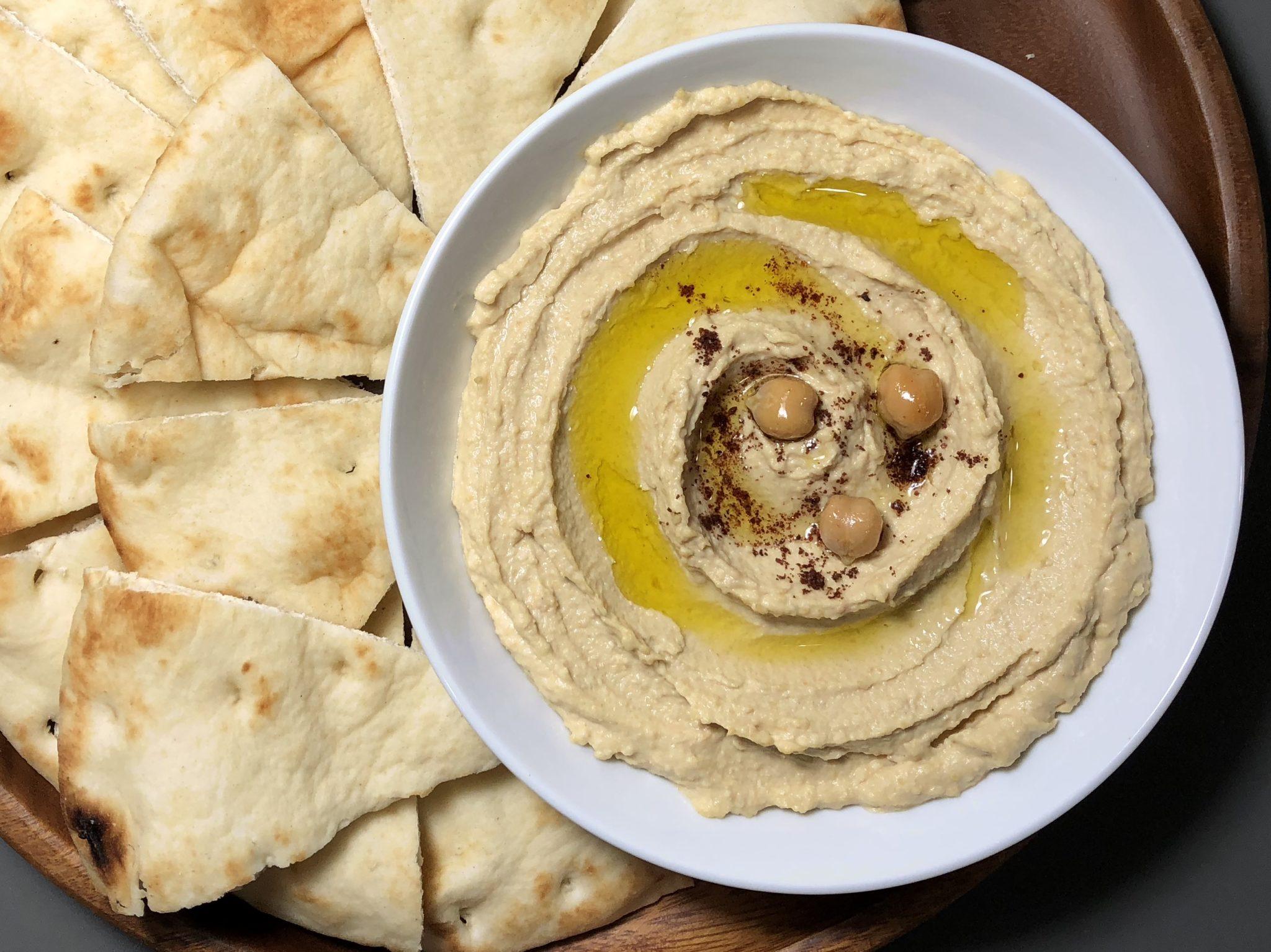 hummus-with-pita