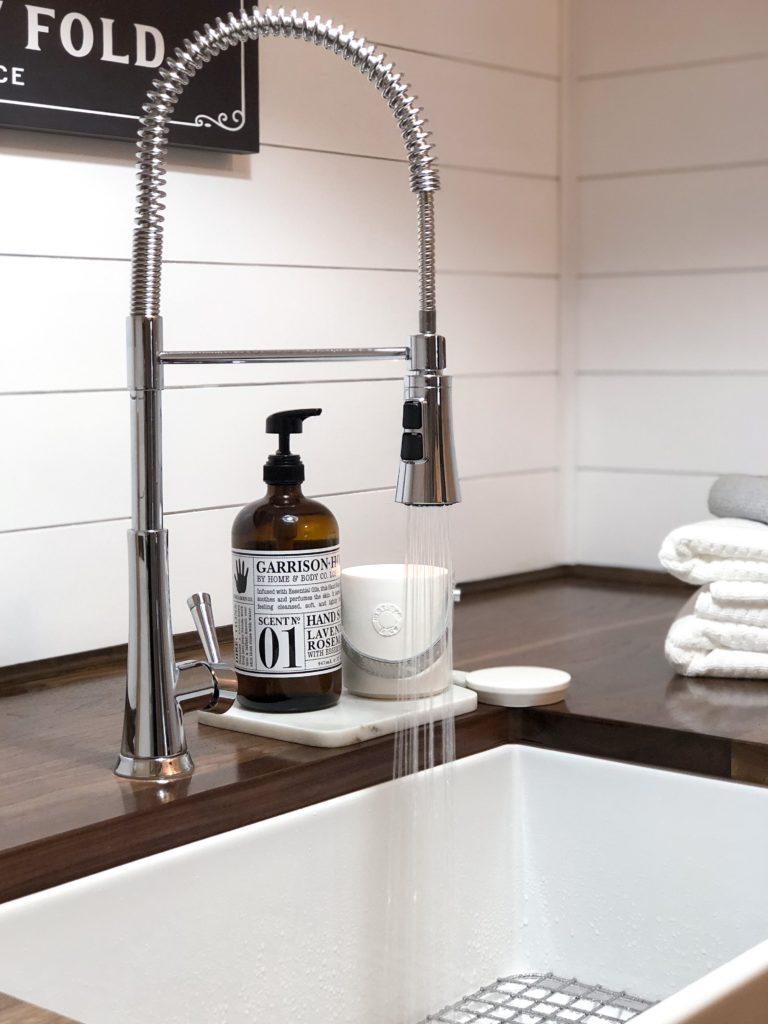 pfister-faucet-zuri-fireclay-sink