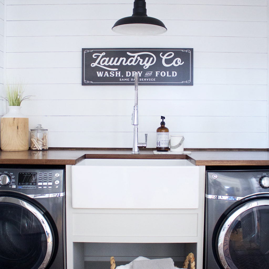 fireclay-farmhouse-kitchen-sink-bradstreet-II