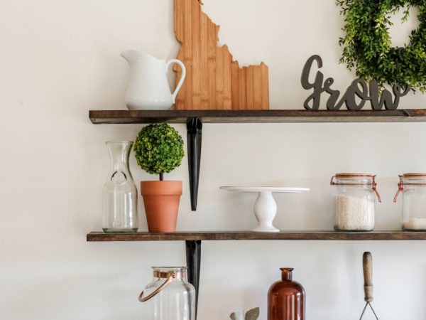 5 Helpful Tips for Perfectly Styled Shelves