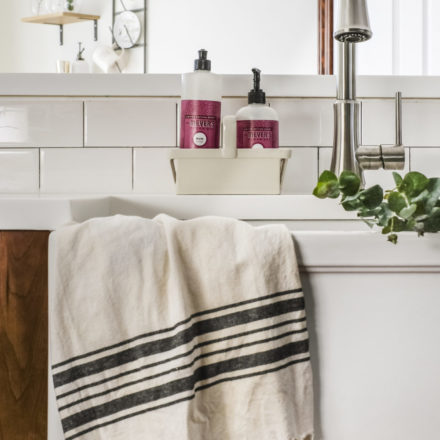 bradstreetII-fireclay-farmhouse-sink