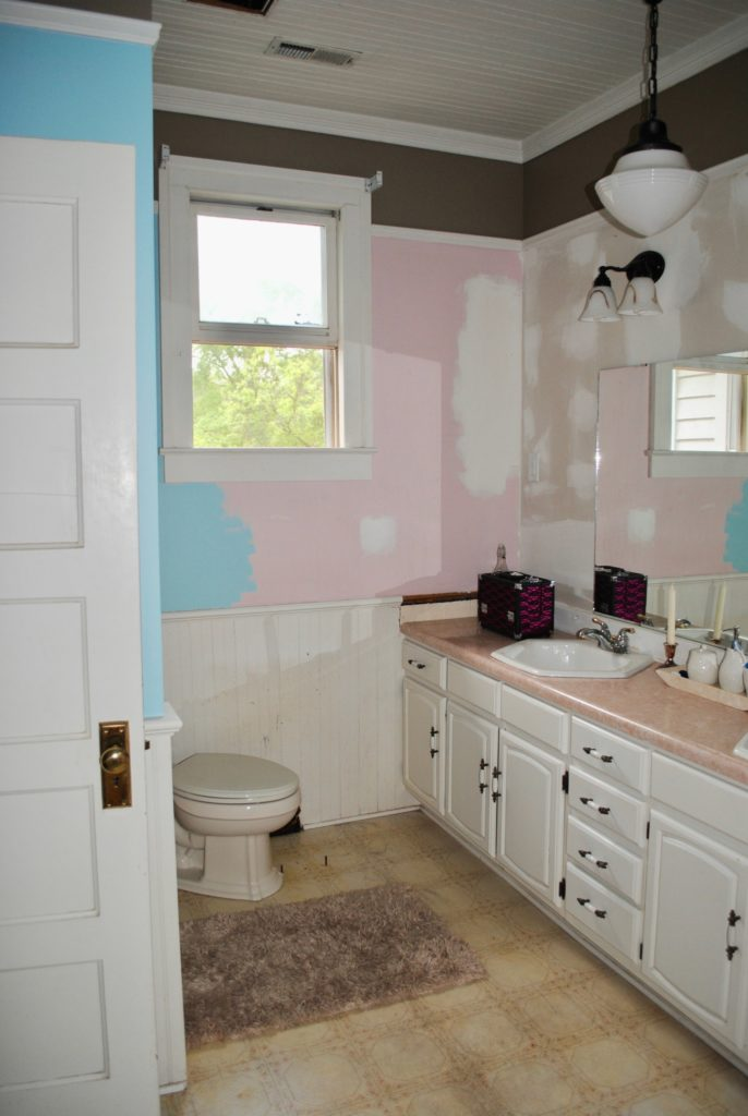 before-bath-renovation-1
