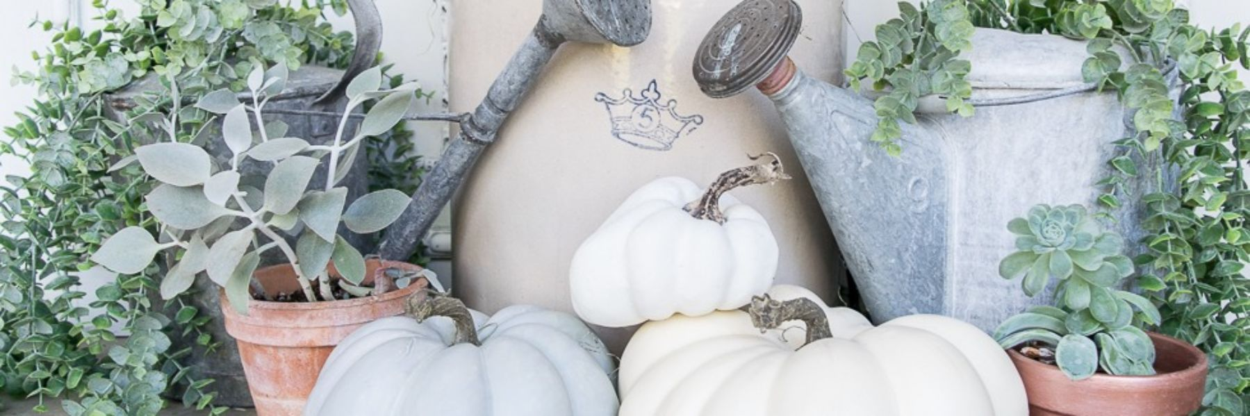 Fall-Topiary-Decor-with-Pumpkins
