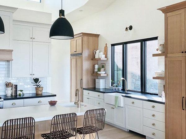Organized-farmhouse-kitchen