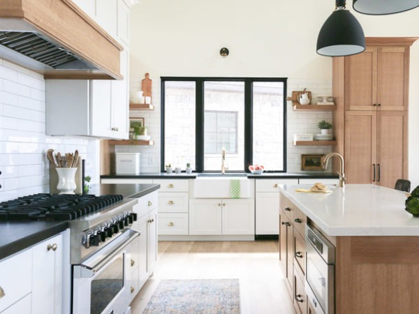 Creating A Bright And Cozy Kitchen It S All In The Details Sinkology