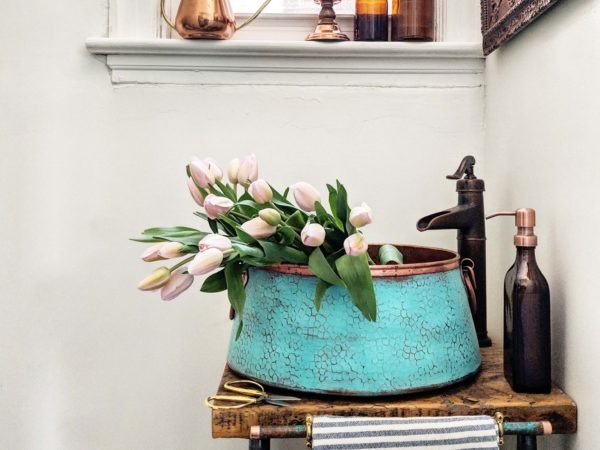 copper-bath-sink-with-flowers