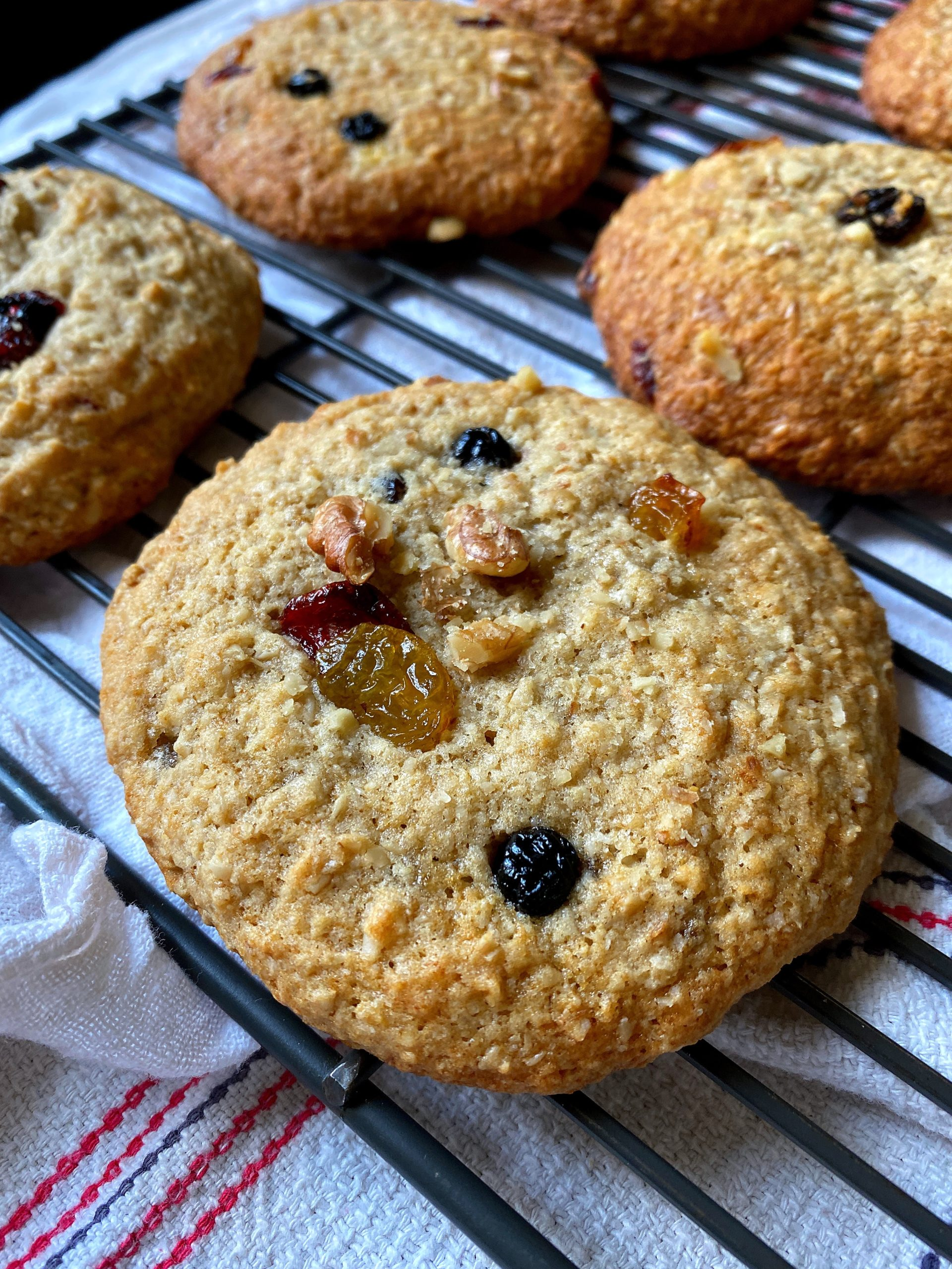 baked big banana nut breakfast cookies