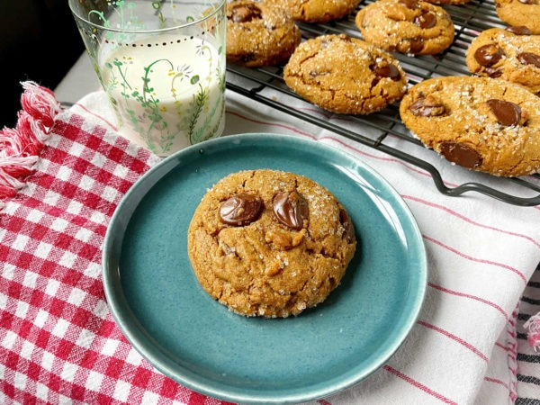 gingerbread chocolate chip cookie
