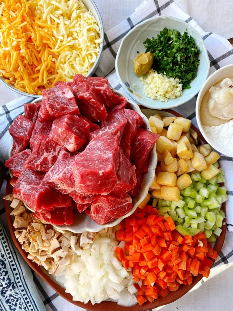 all the beef and cheddar pot pie ingredients
